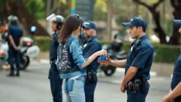 Comercial da Pepsi foi criticado por banalizar casos de protestos nos EUA (Foto: Reprodução/YouTube)