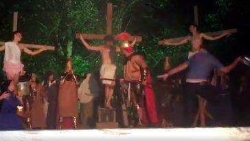 feedclub capacete jesus peça paixão de cristo