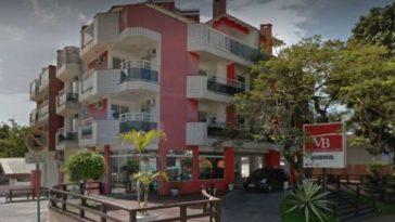 Família de empresário foi morta dentro de apart-hotel na praia de Canasvieiras, em Florianópolis (Foto: reprodução / Google Street View)