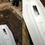 cadáver acena